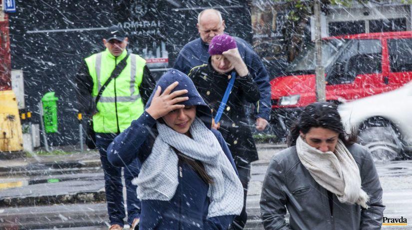 počasie, zima, ochladenie, sneženie, silný vietor,