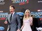 Chris Pratt a jeho manželka Anna Faris na premiére filmu Strážcovia galaxie 2 v  Hollywoode.