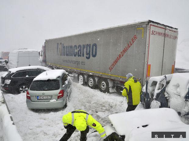 DOPRAVA: Reťazová havária na severnej D1