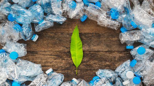 Vďaka zálohovaniu majú plastové fľaše 13 životov