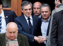 Vo francúzskych voľbách hlasovali už všetci kandidáti. V Európe sa demonštruje na podporu EÚ