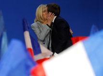 Čaká sa na hlasy z veľkomiest, ktoré majú zvýšiť vedenie Macrona nad Le Penovou