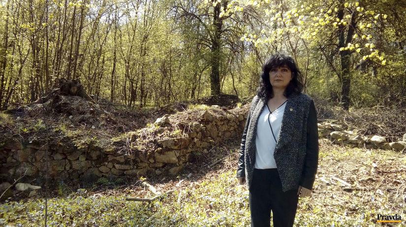 Alena Šoltýsová, starostka, kostolík