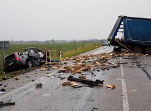 Štvrťrok na cestách: Pri nehodách zomrelo až 50 ľudí