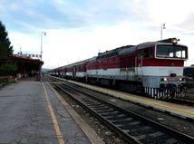 vlak, stanica, rýchlik