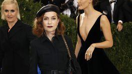 Francúzska herečka Isabelle Huppert reprezentovala značku Dior.