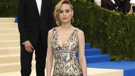 Herečka Brie Larson v kreácii Chanel.
