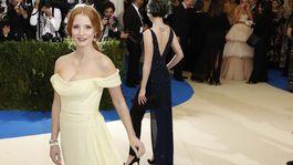 Herečka Jessica Chastain v róbe z dielne značky Prada.