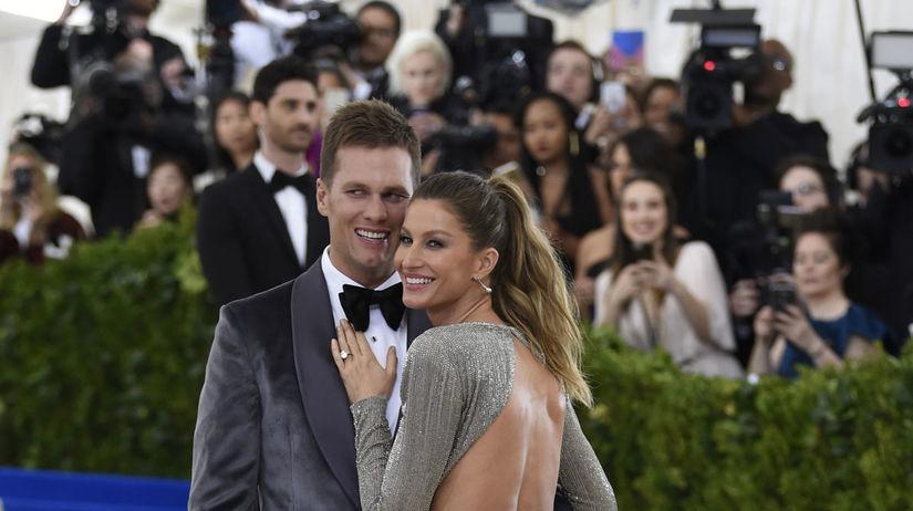 Športovec Tom Brady a jeho manželka Gisele...
