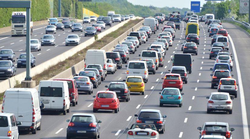 autá, diaľnica, premávka