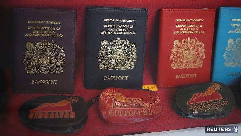 pasy, cestovné doklady,