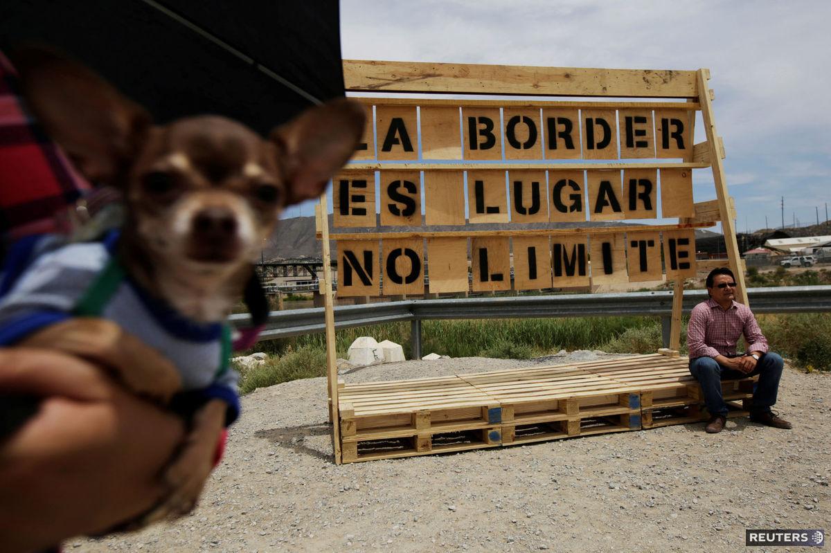 hranica, Mexiko-USA, pes,