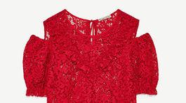 Čipkovaný materiál, prestrihy na ramenách - model Zara - 17,95 eura.