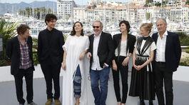 Mathieu Amalric, Louis Garrel, Marion Cotillard, režisér Arnaud Desplechin a herci Charlotte Gainsbourg, Alba Rohrwacher a Hippolyte Girardot