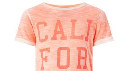 Tričko s nápisom F&F - cena 6 eur.