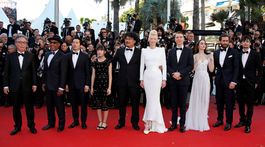 Sprava: Devon Bostick, Jake Gyllenhaal, Lily Collins, Paul Dano, Tilda Swinton, režisér Bong Joon-ho a herci Ahn Seo-hyun, Steven Yeun, Giancarlo Esposito a Byung Hee-bong.