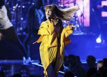 Ariana Grande vyjadrila ľútosť nad výbuchom po jej koncerte v Manchestri