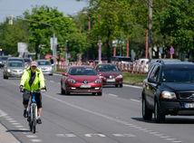 bratislava, cyklista, premávka, doprava