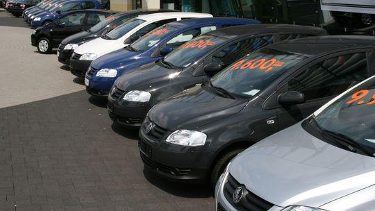 Auto Uncle: Ktoré autá strávia v bazáre najmenej času? A ktoré najviac?