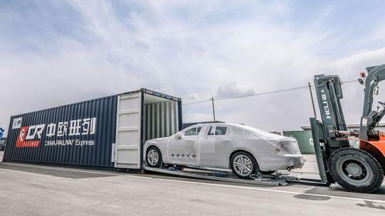 Volvo už dováža S90 Hodvábnou cestou. Začala sa nová doba
