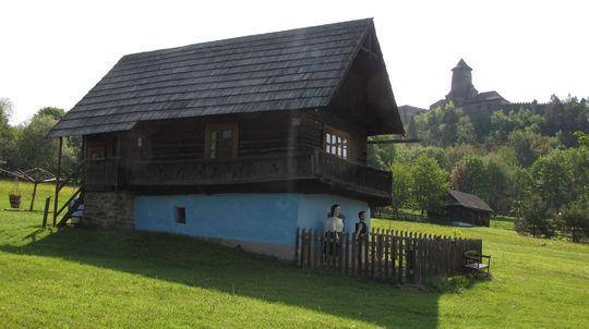 Na hrade Ľubovňa a v skanzene pod ním chystajú pred sezónou dve novinky