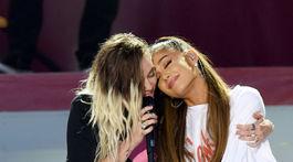 Ariana Grande a Miley Cyrus