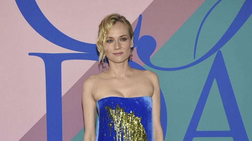 Herečka Diane Kruger sa objavila v šatách Monse.