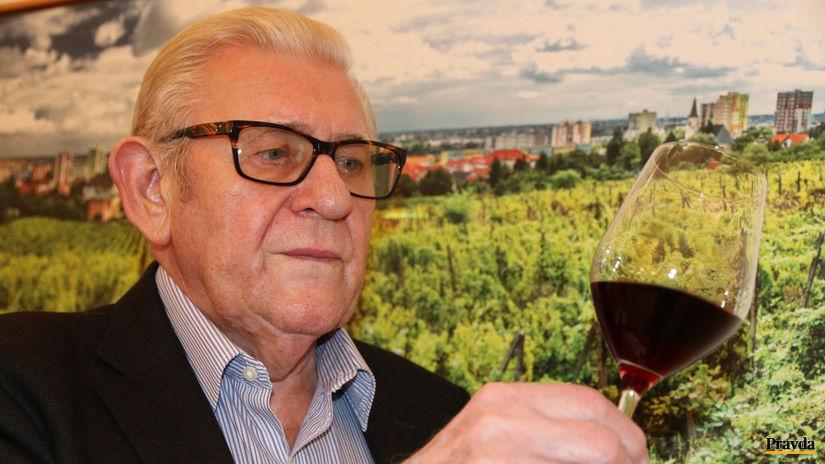 Ján Krampl, rača, víno