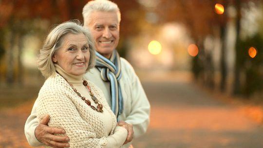 dôchodca, dôchodok, penzia, pracujúci