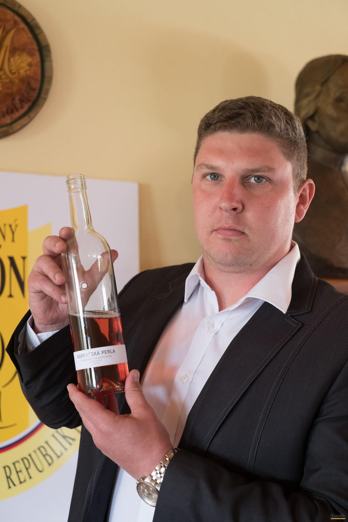Tomáš Dilong miluje vo víne emóciu.