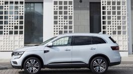 Renault-Koleos-2017-1024-2a