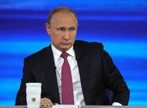 'Varovanie pre Putina', okomentovala ruská tlačová agentúra škandál webu Zvezda