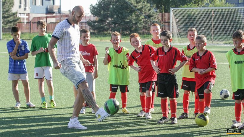 Robert Vittek, deti futbal, Iskra