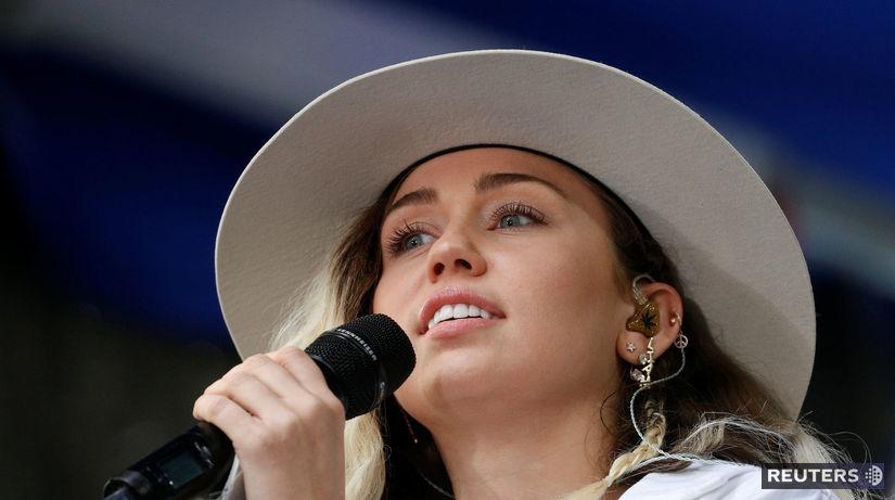 Speváčka Miley Cyrus na zábere z mája 2017.