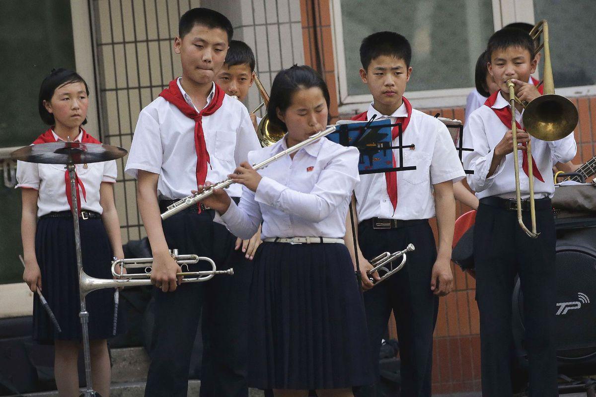 KĽDR, Severná Kórea, orchester, hudba, flauta, hudobné nástroje