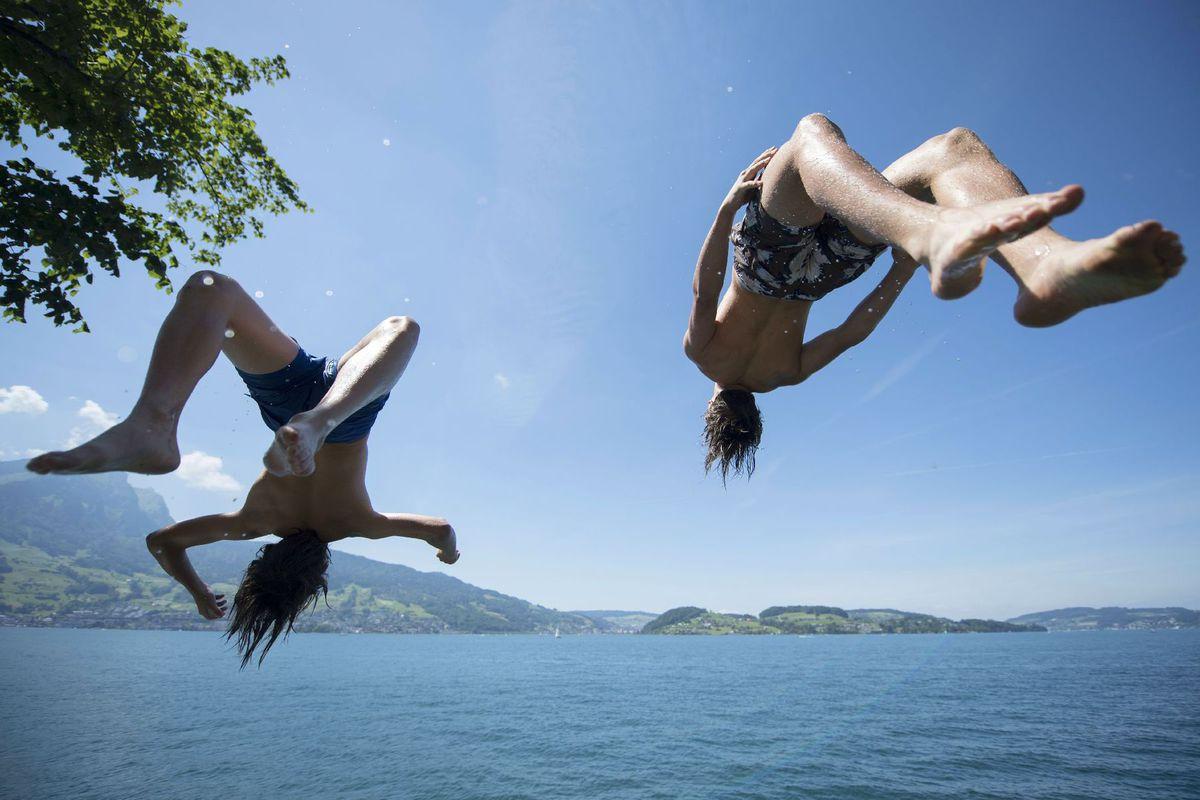 leto, voda, kúpanie, dovolenka, plávanie, horúčavy, jazero