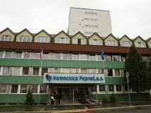 NAKA zasahovala v popradskej nemocnici, zatkla jej riaditeľa