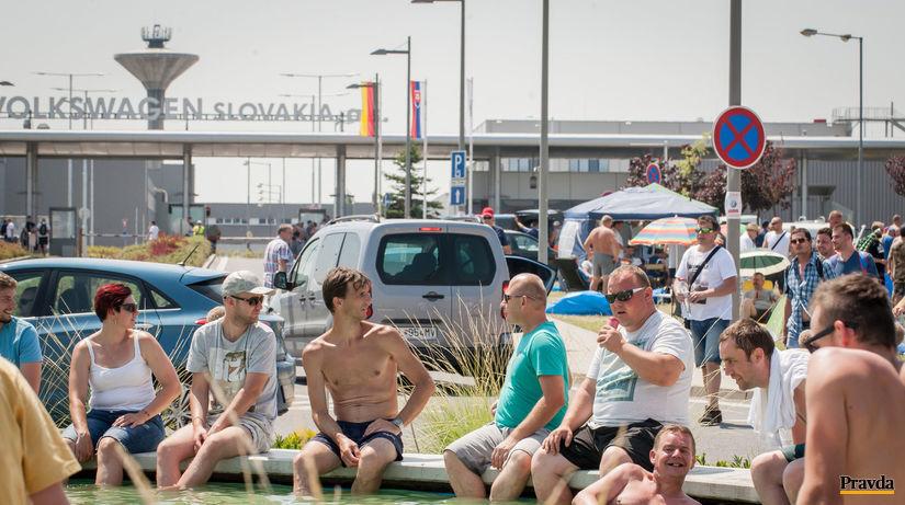 volkswagen, štrajk, fontána,