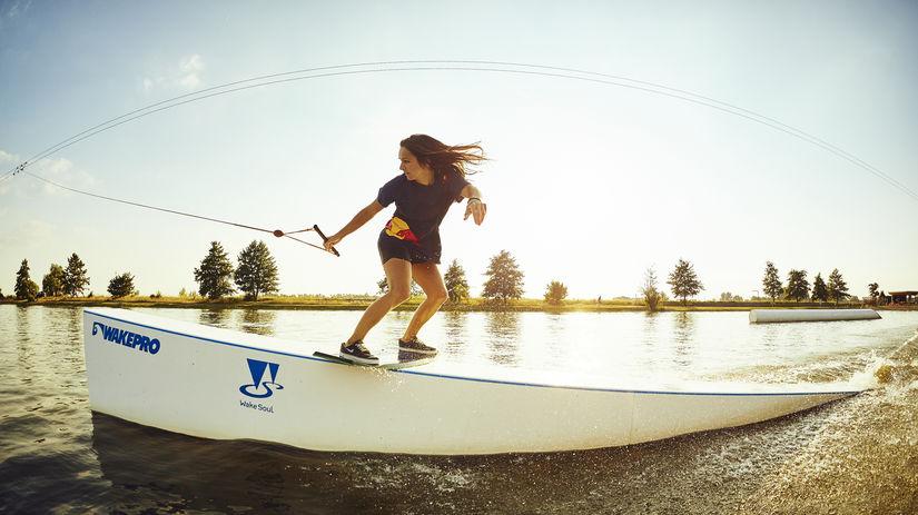 Zuzana Vráblová, wakeskating, wakeboarding