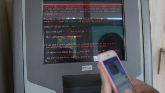 kybernetický útok, vírus, banka, ukrajina