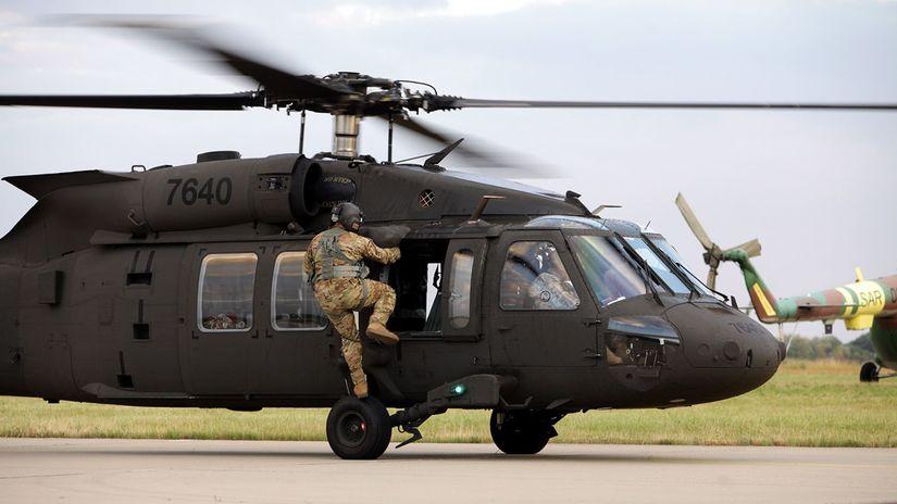 vrtuľník, black hawk, armáda, vojaci