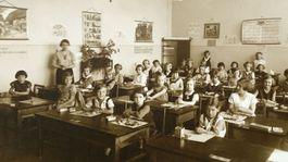 historické vysvedčenie, školská trieda