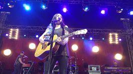 Amy Macdonald zaplnila modrý stan, bola jednou z hlavných hviezd Topfestu.