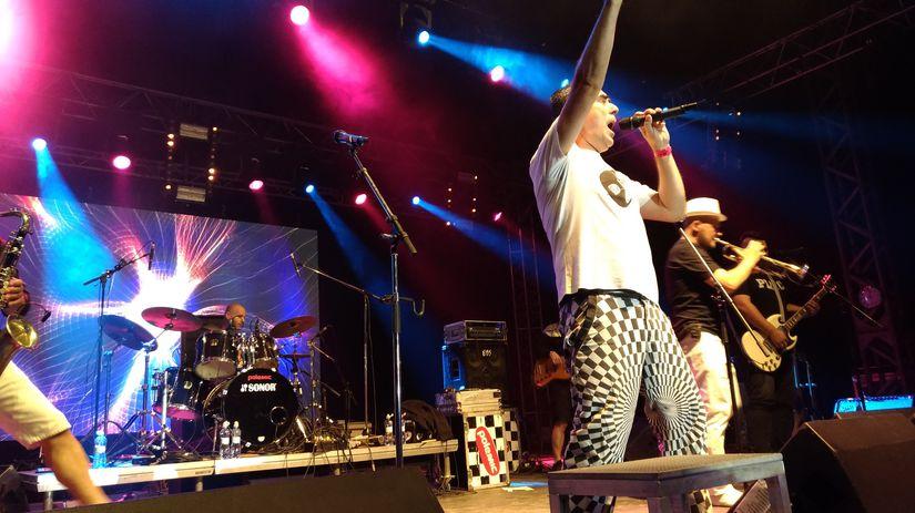 Polemic uzatvárali prvý deň festivalu pesničkou...