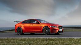 Jaguar-XE SV Project 8-2018-1024-01