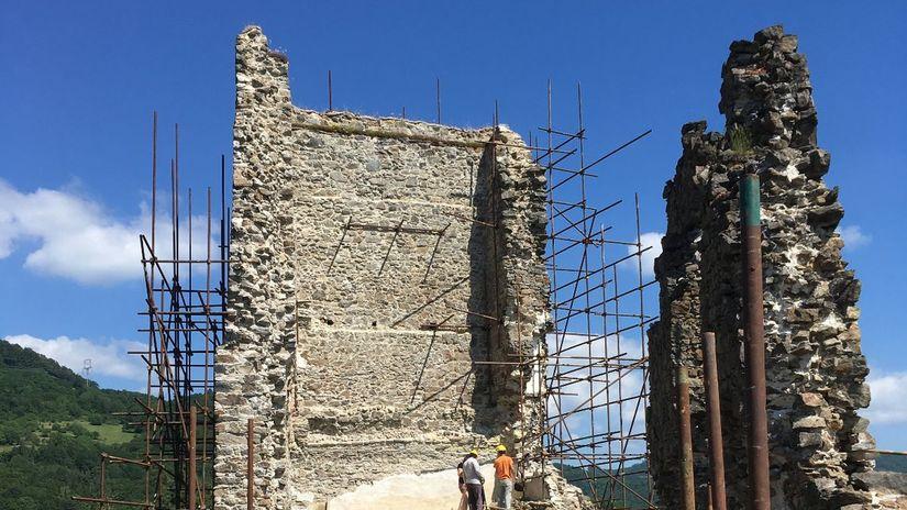 Hrad Revište, pamiatky