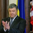 Porošenko chce vziať občianstvo krymským Ukrajincom s ruským pasom