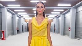 Šaty z kolekcie slovenského dizajnéra Fera Mikloška.