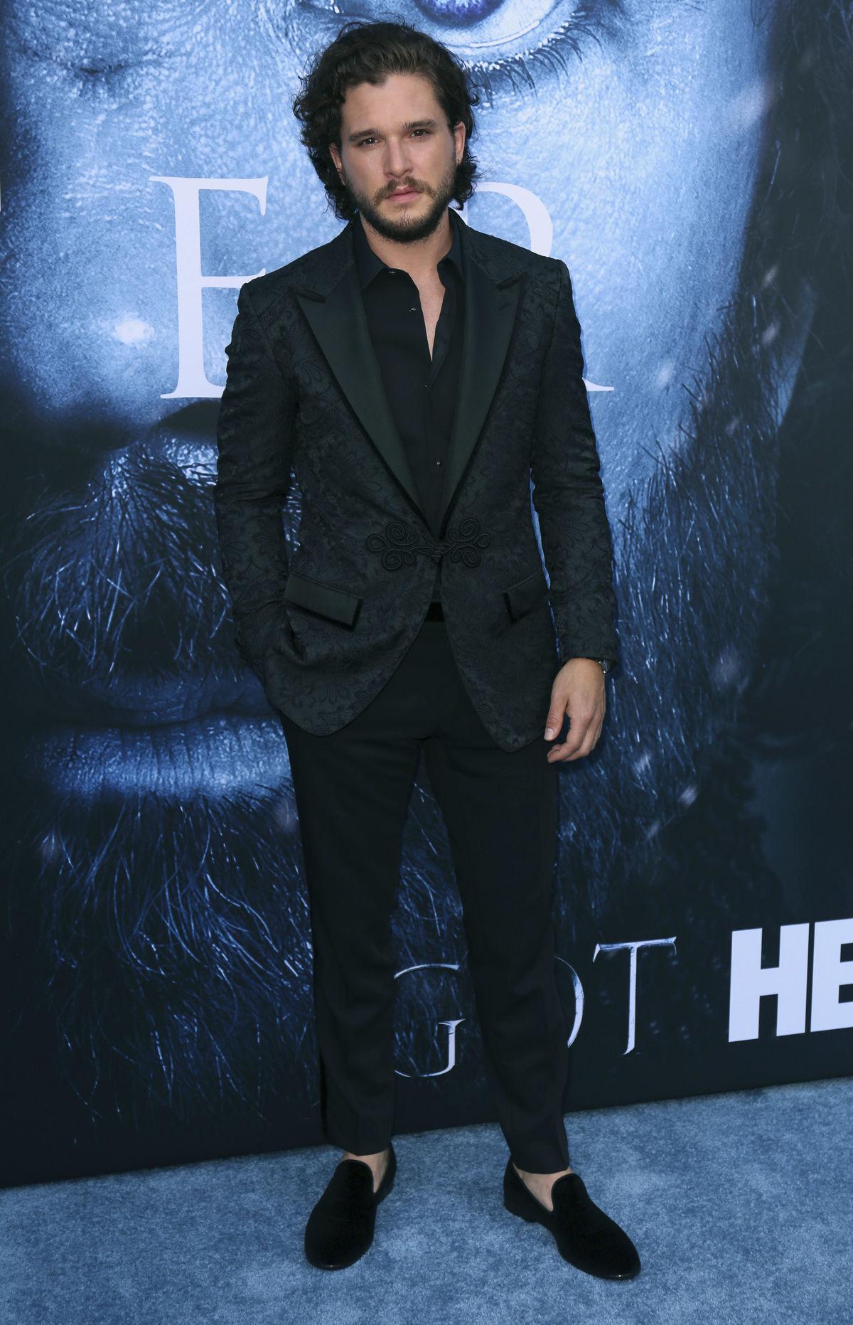 Herec Kit Harington na premiére novej série...
