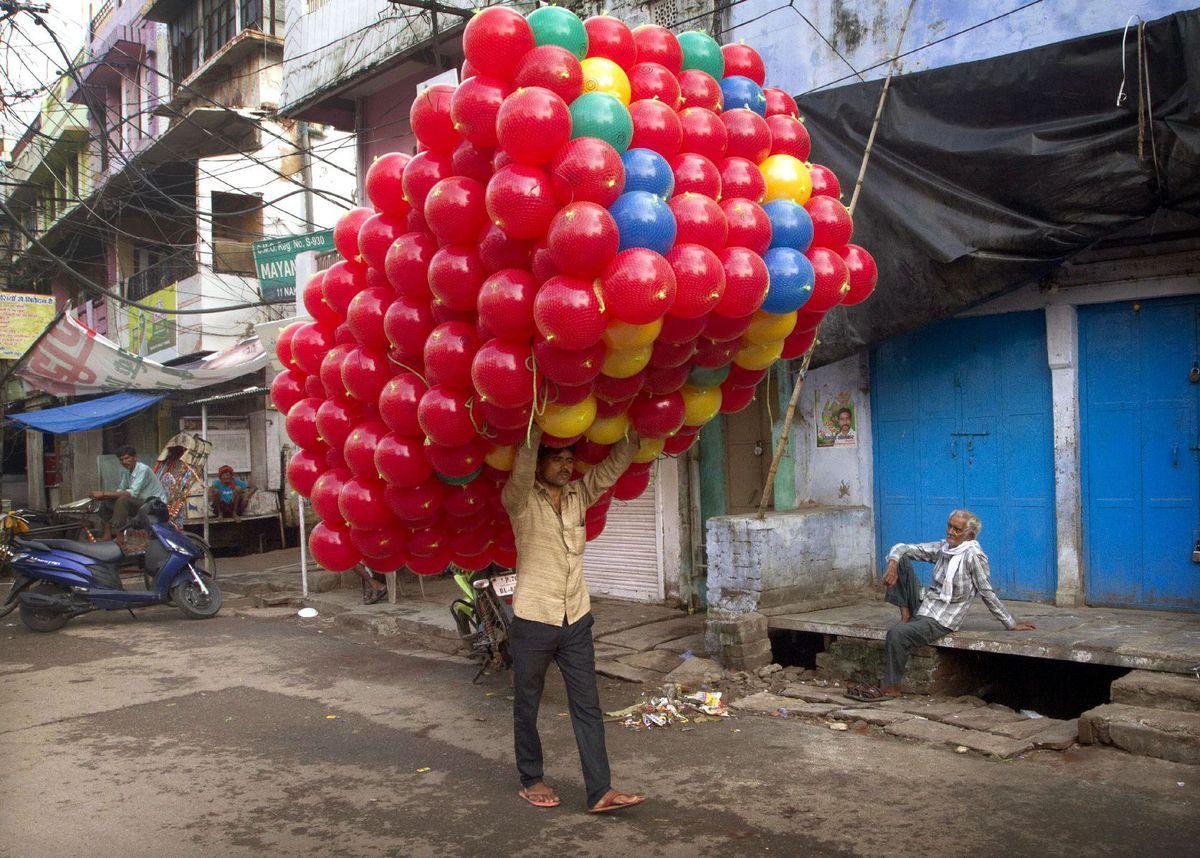 India, balóny, predavač